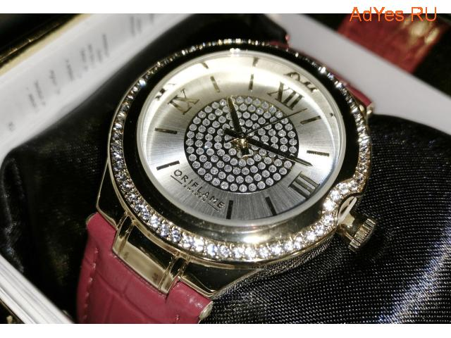 Женские часы с кристаллами Swarovski