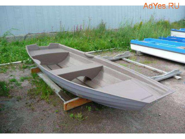 Пластиковая лодка